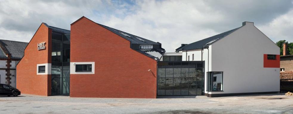Stavba výzkumného a vývojového centra Nikoly Tesly ve Vrchlabí